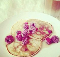 Banana pancakes  1 banana, 2 Eggs Mash Bananas with a fork, and in a separate bowl whisk eggs, then mix together. Spray pan with cooking spray and make as if u were making a regular pancake FOLLOW befitfoods on Instagram for more recipes
