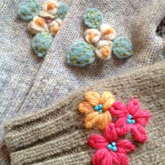 Recycled Sweater Mittens(2)