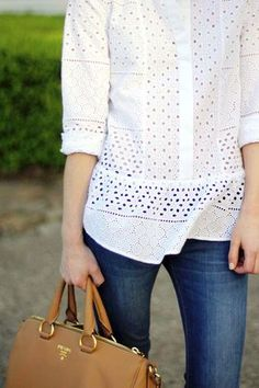 Today we have a post of inspiration with a material that I love! Is the eyelet fabric, also known as t… Summer Fashion Outfits, Spring Summer Fashion, Casual Outfits, Short Outfits, Casual Tops, Casual Chic, Cute Outfits With Shorts, White Shirts, Her Style
