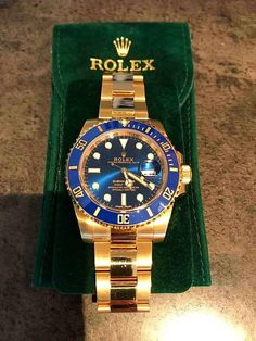Rolex Datejust Submariner with a Blue Dial and a Yellow CT Yellow Gold. Presenting the finest Men's Watches collection inspiration sharing. Best gift for men in fine suits. Timex Watches, Rolex Watches For Men, Luxury Watches For Men, Sport Watches, Men's Watches, Wrist Watches, Rolex Submariner, Patek Philippe, Stylish Watches