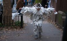 Great Halloween costume ideas on eclecticmom.com!