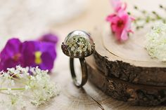 Real flower ring,  Queen annes lace , nature jewellery , terrarium ring , white floral , pressed flower , gift from Ireland , dainty ring by RubyRobinBoutique on Etsy https://www.etsy.com/listing/235607092/real-flower-ring-queen-annes-lace-nature