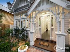 White on white Edwardian house Barkly Street St Kilda Australian Homes, House Exterior, Weatherboard House, House Design, Pretty House, Edwardian House, House Colors, Building A House, Eco House