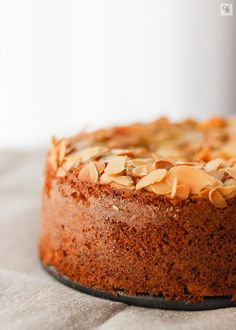 Bizcocho de zanahoria, avena y almendra - Almond Sponge Cake Recipe, Sponge Cake Recipes, Healthy Cake, Healthy Desserts, Dessert Recipes, Pistachio Cake, Bowl Cake, Cooking Recipes, Cooking Time