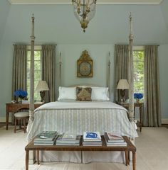 Дом в Маунтин-Брук от Brockschmidt & Coleman LLC | 1stDibs Bedroom Retreat, One Bedroom, Bedroom Ideas, British Colonial Bedroom, Brook House, Dining Room Wallpaper, Country House Design, Charleston Homes, Stylish Beds