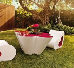 Flower box Agatha by @vondom | #designbest