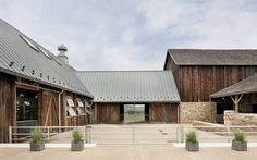 Modern meets traditional A Modern Reinterpretation of a Historical Rural House in Pennsylvania Modern Barn, Modern Farmhouse, Future House, My House, Farm House, Rural House, Horse Stables, Horse Barns, Dream Barn