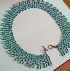 Beaded Necklace Patterns, Lace Necklace, Seed Bead Necklace, Jewelry Necklaces, Diy Schmuck, Schmuck Design, Pierre Turquoise, Beaded Collar, Bijoux Diy