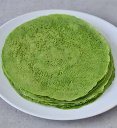 Ingredients 1 cup chickpea flour also called garbanzo bean flour g) cup tapioca flour/starch g) 2 oz fresh baby spinach leaves g) 1 - 1 cup water ml) tsp salt Vegetarian Recipes Dinner, Raw Food Recipes, Mexican Food Recipes, Healthy Tortilla, Tortilla Recipe, Gluten Free Roti Recipe, Vegan Wraps, Allergy Free Recipes, Paleo