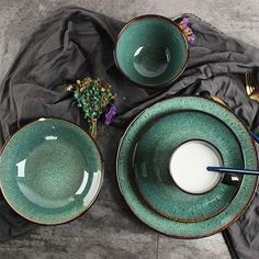 Create the perfect table setting, with this peacock green dinnerware. Find more unique serveware at Apollo Box! Green Dinnerware, Steak Plates, Ceramic Tableware, Kitchenware, Dishes, Dining Table, Dining Sets, Searching, Pottery