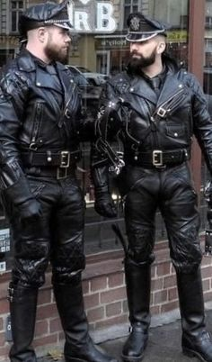 Perfect fitting leather jackets at factory price. Mens Leather Pants, Leather Hats, Biker Leather, Leather Fashion, Black Leather, Leather Jackets, Latex Men, Men In Uniform, Sensual
