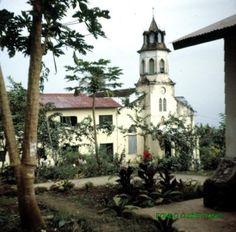 En la Isla de Fernando Poo (Bioko) Iglesia de Basilé.