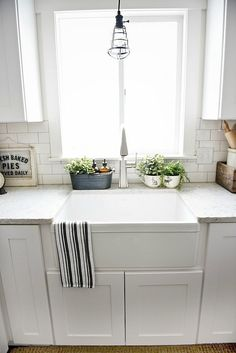 Exceptional Kitchen Remodeling Choosing a New Kitchen Sink Ideas. Marvelous Kitchen Remodeling Choosing a New Kitchen Sink Ideas. White Farmhouse Sink, Fireclay Farmhouse Sink, Farmhouse Sink Kitchen, Grey Kitchen Cabinets, Modern Farmhouse Kitchens, Kitchen Cabinet Design, White Cabinets, Home Kitchens, Farmhouse Windows