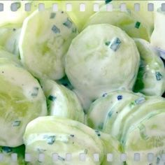 Cucumber salad rnrnSource by I Love Food, Good Food, Yummy Food, Good Healthy Recipes, Vegetable Recipes, Salade Caprese, Dutch Recipes, Cucumber Salad, No Cook Meals