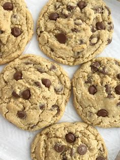 Giant Oatmeal Chocolate Chip Cookies Recipes The best oatmeal chocolate chip cookies! Soft, chewy, thick, and giant sized. Hamburger Vegetable Soup, Cookie Recipes, Dessert Recipes, Baking Recipes, Dinner Recipes, Best Oatmeal, Oatmeal Chocolate Chip Cookies, Oatmeal Recipes, Cream Pie