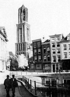 Moesman's Utrecht: J.A.Moesman (1859-1937), vader v.d schilder Jopie Moesman, legde 't dagelijks leven vast van de stad