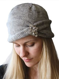Hats for Women: Nola Cloche Hat Knitting Pattern Loom Knitting, Knitting Patterns Free, Knit Patterns, Free Knitting, Beginner Knitting, Knit Or Crochet, Crochet Crafts, Diy Crafts, Sombrero A Crochet