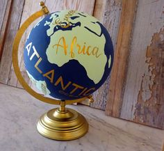 Hand Painted Wanderlust Globe por NewlyScripted en Etsy