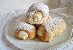 Cannoli di pasta brioche con crema di ricotta http://blog.giallozafferano.it/maniamore/cannoli-di-pasta-brioche-farciti-con-ricotta/