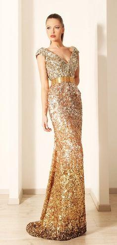 vestido longo, dourado e bordado
