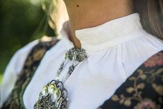 Vestfoldbunad Tranum Røer m/sølv, skjorte, veske og underskjørt | FINN.no Accessories, Jewelry, Fashion, Moda, Jewlery, Bijoux, La Mode, Jewerly, Fasion