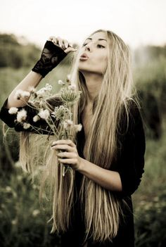 I want this hair. Oh gosh. It would take 2 more years to get this long though. :(