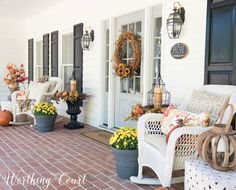 9 Cozy Fall Porch Ideas to Decorate Your Home - Artful Homemaking