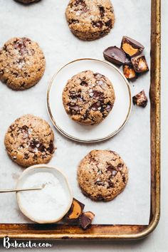 You must try these Peanut Butter Chocolate Chip Cookies - full of dark chocolate & mini peanut butter cups! You'll love these gluten-free & vegan cookies. Cookies Gluten Free, Gluten Free Chocolate Chip Cookies, Gluten Free Baking, Chocolate Peanut Butter, Vegan Gluten Free, Dairy Free, Vegan Peanut Butter Cookies, Paleo Baking, Chocolate Chips