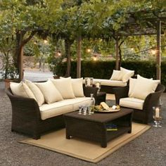 Nice compact open air outdoor furniture idea.