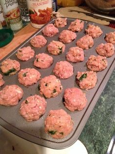 A quick and healthy recipe to make high protein meatballs with turkey, spinach and other healthy ingredients. Great for those on high protein, low carb, low fat diets who need some new recipes for mea (Healthy Ingredients Low Carb) High Protein Low Carb, High Protein Recipes, Low Carb Diet, Low Carb Recipes, New Recipes, Healthy Recipes, Protein Foods, Ideal Protein, Spinach Protein