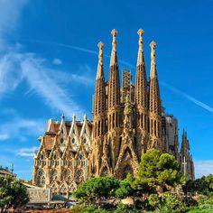 """1,210 Gostos, 12 Comentários - sabrina bull (@grow2live) no Instagram: """"Sagrada Família é um grande templo católico da cidade catalã de Barcelona (Espanha), desenhado pelo…"""""""