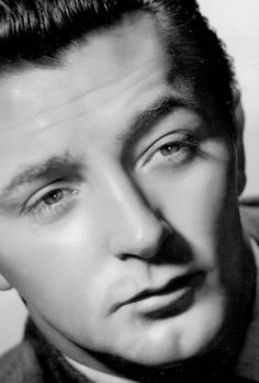 Robert Mitchum www.q=robert+mitchum Hooray For Hollywood, Hollywood Icons, Old Hollywood Glamour, Golden Age Of Hollywood, Vintage Hollywood, Hollywood Stars, Classic Hollywood, Hollywood Men, Real Movies