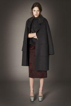 「ロシャス」が2015年プレ・フォール・コレクションを発表した。