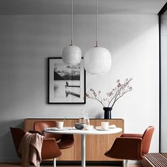 Autumn is the perfect season to dress your interiors in a mellow, warm-hearted, inspiring way. Looking for fascinating Autumn design trends? Step forward and Scandinavian Interior Design, Best Interior Design, Interior Design Inspiration, Interior Decorating Tips, Dining Room Design, Home Decor Trends, Elle Decor, Design Trends, Design Ideas