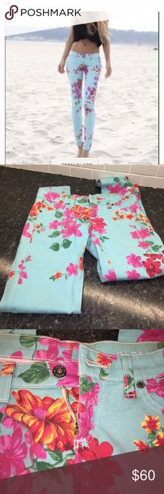 LF Carmar Floral Skinnies Fun floral denim from LF! Excellent condition- size 25! z#0504 LF Jeans Skinny