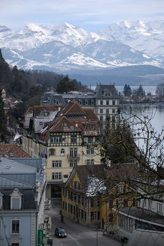 bern - travel | switzerland - swiss alps - mountains - city - cities - beautiful - alpine - pretty - europe - eurotrip - lake - lakes - wanderlust - trip - vacation - bucket list - discover places - adventure - explore - idea - ideas - inspiration rooftops - photography