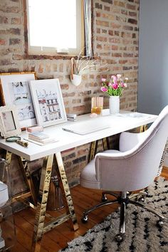 Brick Wall Office Decor Idea