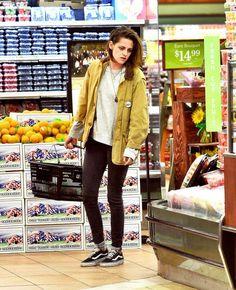 Kristen Stewart Wearing Skinny black jeans