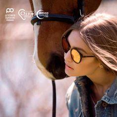 #Gigihadid Impresionante con su nueva colección de #gafas y #monturas.