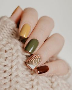 30 Newest Short Nails Art Designs To Try In 2020 – Page 6 – Nailmon Shellac Nail Colors, Fall Nail Colors, Shellac Nails, Manicure, Yellow Nails, Green Nails, Colorful Nail Designs, Nail Art Designs, Bling Nails