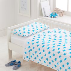 Blue Star Toddler Bedding - the same soft muslin you love from @adenandanais. Comes in pink, too!