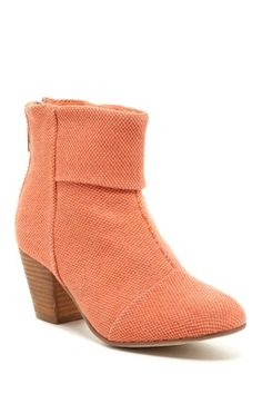 Earla Textured Ankle Boot