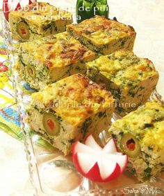Broom Chicken Breast with Green-Colors Finger Food Appetizers, Finger Foods, Appetizer Recipes, Canapes, Food Art, Carne, Chicken Recipes, Bacon, Good Food