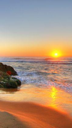 Estudiosos da Saúde informam: Tomar muito Sol - a Vitam. D3, direto na pele, evitando apenas a queimadura; proporciona e devolve a saúde, livrando-se de inúmeras doenças físicas, mentais, emocionais, inclusive as mais graves. Beach Sunrise In Tathra, Australia - Sun - Sol