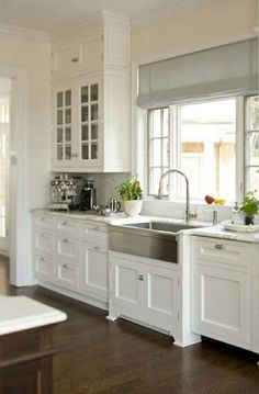 Hometalk :: Farmhouse Sink: Stainless Steel or Cast Iron?