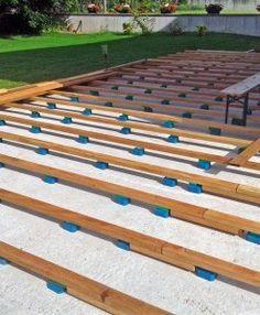 bauanleitung f r holzterrasse unterkonstruktion verlegen in 2018 dach pinterest terrasse. Black Bedroom Furniture Sets. Home Design Ideas