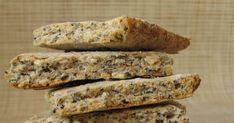 Provocarea lunii iulie de la Daring Bakers  a fost sa facem biscuiti. Am avut la dispozitie cateva retete din care am incercat doua : biscu... Biscuit, Crackers, Biscuits, Sponge Cake, Cake, Cookies