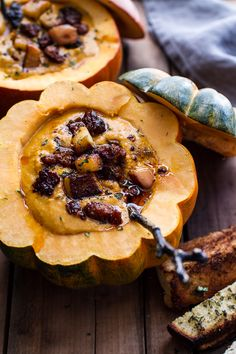 chipotle pumpkin soup w/ crispy chorizo + caramelized apples | #food