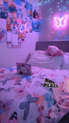 Cute Bedroom Decor, Bedroom Decor For Teen Girls, Teen Room Decor, Room Ideas Bedroom, Bedroom Inspo, Neon Room, Cute Room Ideas, Retro Room, Indie Room