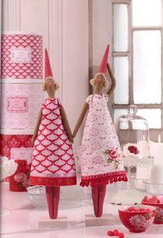 """Elf"" or Valentine Tilda Doll Patterns  http://mimosdetela.blogspot.dk/2010/10/tilda-nisse.html"